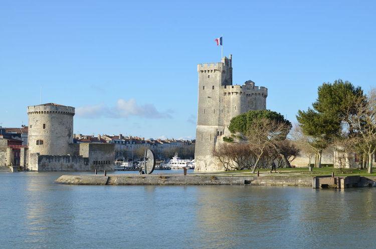 Vers 18h00 le 10 mars 2016 à La Rochelle... Chenal La Rochelle La Rochelle, France Landscape Minimes Monument Patrimoine