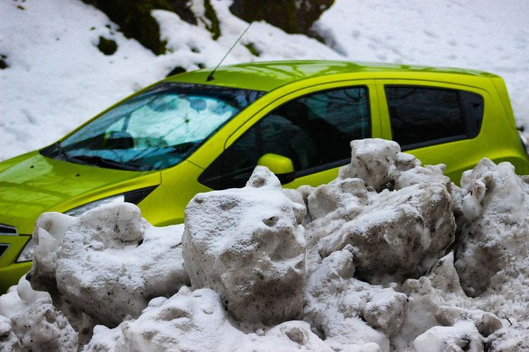 juicy lime 😁 No People Outdoors Day Close-up Contrast Clean Car Snow ❄ Cold Winter ❄⛄ Dirt Green Car Juicy White And Green Automobile Auto Multi Colored