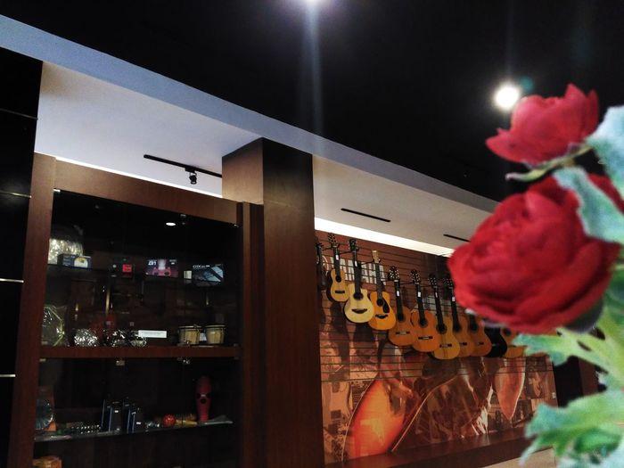 Guitars 'n