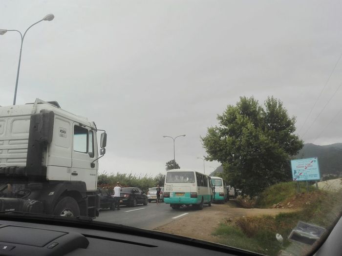 traffic jam... les embouteillages sur la route des vacances Traffic Jam Embouteillage Bouchons Summer Road Tripping Freight Transportation Semi-truck Commercial Land Vehicle Trucking