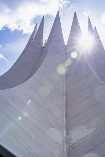 Tempodrom in Berlin. Tempodrom Berlin Berliner Ansichten Berlin Photography Berlin Mitte Kreuzberg Architecture Architecture_collection Architecture Photography Architektur Zelt Sunshine Sonnenschein  Sehenswürdigkeit Blauer Himmel Winter