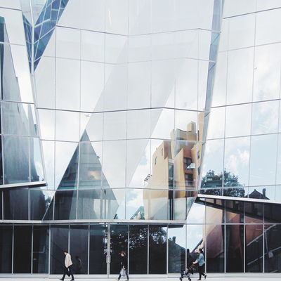 unexpected reflections // the lesser known side of the uts gehry building, just as beautiful as the curvy brick side.. photo inspired by @perfectlynormal.co Headon15 @headonphotofestival Sydneyfolk Archilovers Art_chitecture_
