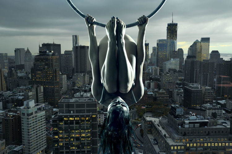 Acrobatic Acrobatics  Aerial Aerial Acrobatics Legs Manhattan Model New York New York City USA Woman Modelgirl Girl Aerial Hoop Dusk In The City Dusk Upside Down The Creative - 2018 EyeEm Awards