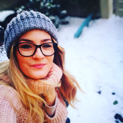 the winter is here EyeEm Selects Winter Eyeglasses  Only Women Cold Temperature Young Adult One Woman Only One Person One Young Woman Only Warm Clothing Outdoors Young Women People Adult Portrait Beauty Day Headshot The Portraitist - 2018 EyeEm Awards The Modern Professional Holiday Moments International Women's Day 2019