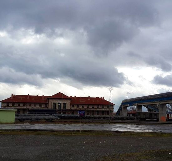 Erzincan TCDD Trenistasyonu Yağmursonrası Karabulutlar