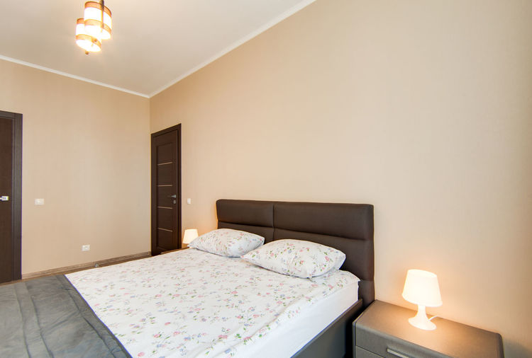 Bedroom Lighting Equipment Bed Domestic Room Indoors  Illuminated Furniture Modern Home Interior Home Showcase Interior Luxury Wealth Absence Electric Lamp Home No People Wall - Building Feature Pillow Hotel Architecture Ceiling Light
