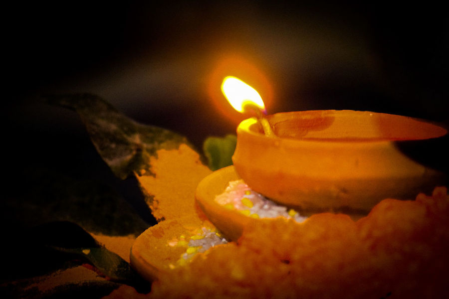 Diya - Oil Lamp Oil Lamp Illuminated Flame Diwali Heat - Temperature Burning Candle Close-up Darkroom Bonfire Glowing Entertainment
