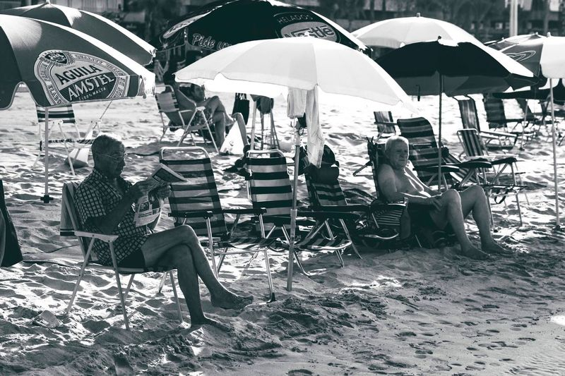 Sitting Chair Full Length Relaxation Table Women Lifestyles Real People Sidewalk Cafe Day Outdoors Men Adult Adults Only People Benidorm