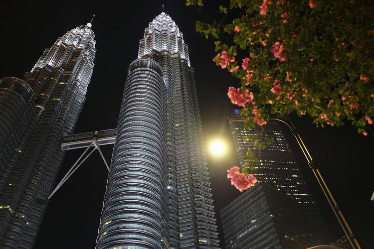 KLCC Twin Towers Klcc KLCC Tower Night Architecture Kuala Lumpur Malaysia  KLCC❤❤ Office Building Exterior KLCC Park