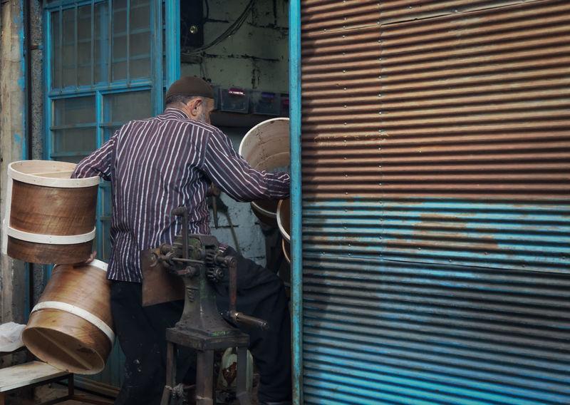 Tradesman Artistic Artistic Expression Chance Encounters Circular Craft Craftsman Craftsmanship  Craftsmen Doorway Handicraft Handicraft Work Kahramanmaraş Kahramanmaraş Laborer Man Metal Musical Instrument Round Shop Skilled Tradesmen Turkey Worker