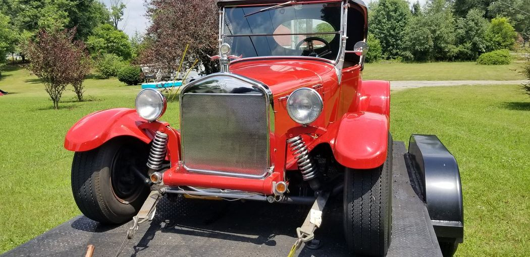 Haul Trailer EyeEm Selects EyeEmNewHere The Great Outdoors - 2018 EyeEm Awards Chrome Grill Show Car Rubber Tires Chrome & Red Red Antique Collector's Car The Creative - 2018 EyeEm Awards Vintage Car Vintage Grille The Traveler - 2018 EyeEm Awards The Street Photographer - 2018 EyeEm Awards