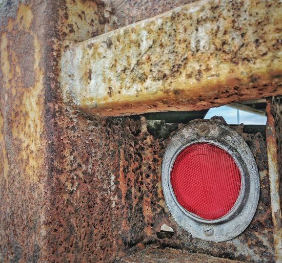 No People Day Outdoors Textured  Close-up Florida Street USA City Downtown District Architecture Truck Rust Rusty Red Light