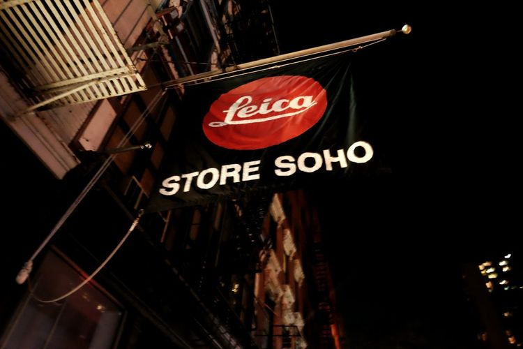 http://www.ebay.com/usr/kurlandphoto NYCImpressions EyeEm In NYC 2015 Shopping Taking Pictures Leica Nightphotography FUJIFILM X-T1 Famous Place Photographers Haven Soho