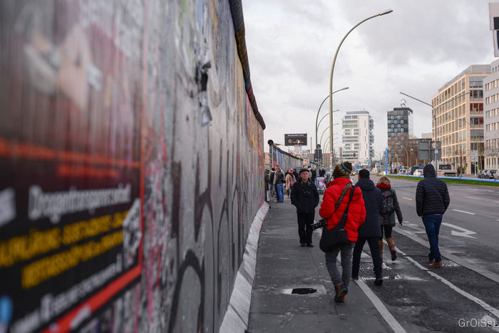 Berlin Berlin Wall Berlin Wall Memorial Berlinwall Capturing History Future Germany Germany🇩🇪 GERMANY🇩🇪DEUTSCHERLAND@ Graffiti Graffiti Art Graffiti Wall Graffitiporn History History Through The Lens  Living History Looking Into The Future My Fuckin Berlin Past Street Street Photography Streetart Streetphoto Streetphoto_color Streetphotography