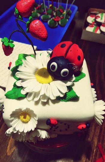 Excelente forma de recibir la primavera 😀😀 Taking Photos EyeEm Gallery Yummy♡ Cake♥ Mariquita♥ Cakelovers Cake Time