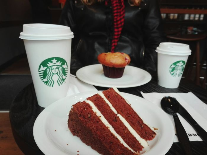 Food Sweet Food Food And Drink Cake Plate Dessert Unhealthy Eating Indoors  Tea - Hot Drink Close-up Day No People Freshness Ready-to-eat Cakes Cake♥ Muffin Starbucks Starbucks Coffee Take Out Food Food And Drink Taking Photos SLICE Bakery Food And Drink Establishment