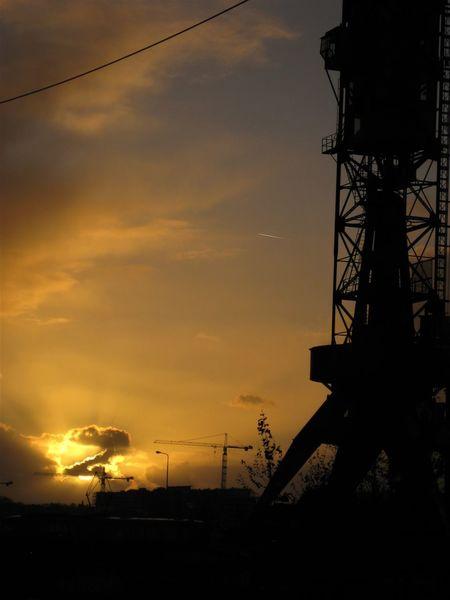 Cloud Kein Filter No Filter Himmel Kran Wolken Work Z Cable Crane Idyllic Kabel Schatten Shadow Sky Sun Sunnenuntergang Sunset