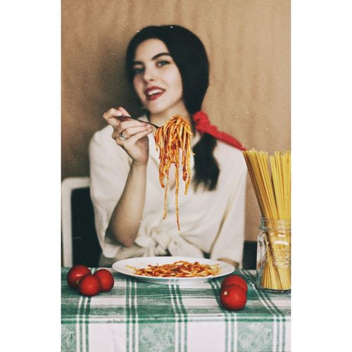 ♥️🍝 spaghetti love. Italy Good Morning Food Spagetti Lady Pornfood EyeEm Best Shots EyeEmNewHere Foodphotography EyeEm Selects Russian Girl Fashion Paris Italian Food Pasta Italiangirl Honey Women Rome Napoli Milano Florence Spaghetti