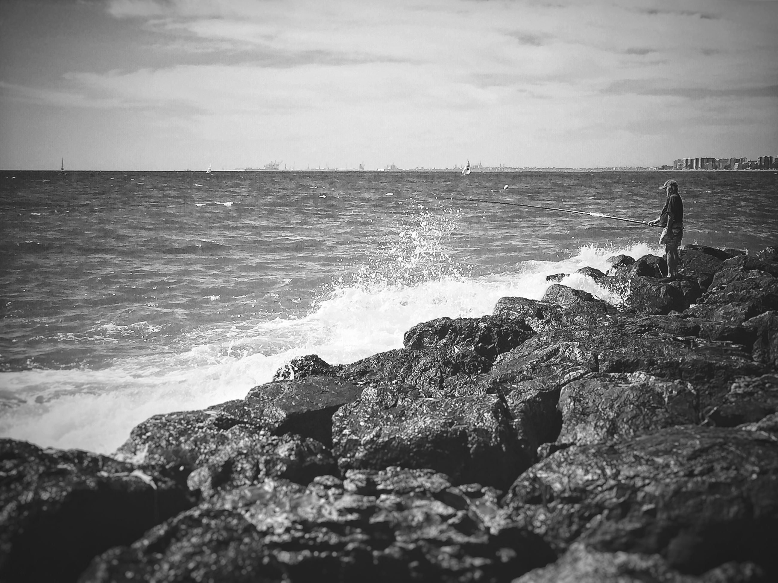 sea, horizon over water, water, scenics, beauty in nature, sky, tranquil scene, rock - object, tranquility, beach, nature, shore, wave, rock formation, rock, idyllic, cliff, surf, coastline, remote