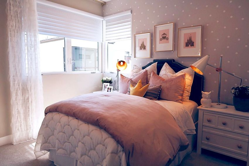 Interior Pink And White Kids Room Bedroom Bed Furniture Domestic Room Bedroom Pillow Home Interior Indoors  Comfortable Cushion Luxury Home