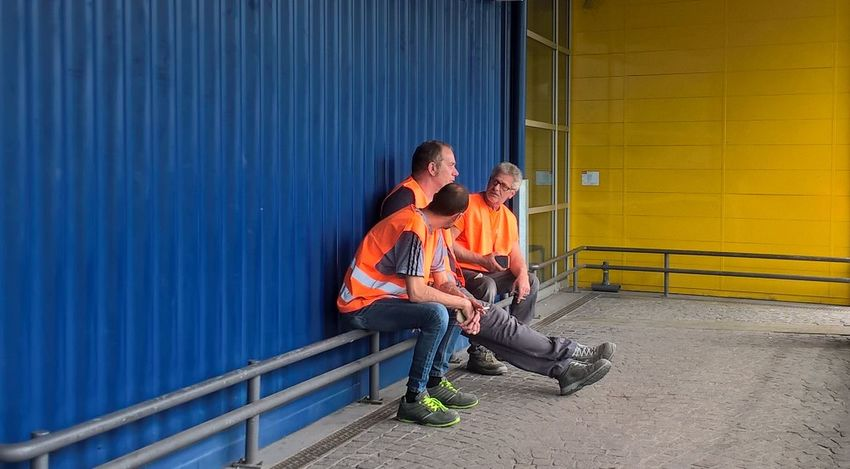 Take a break Colors Orange Work Worker Workers Architecture Blue Break Cigarette  Lifestyles Males  Men Orange Color People Real People Shop Sitting Togetherness Yellow