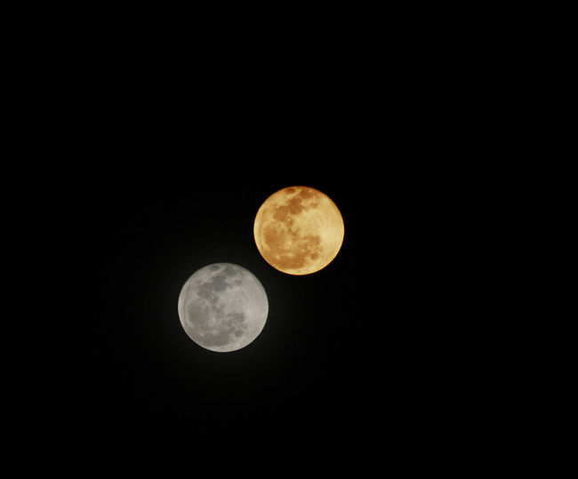 Astronomy Beauty In Nature Circle Copy Space Dark Full Moon Geometric Shape Idyllic Majestic Moon Moon Surface Nature Night No People Outdoors Planetary Moon Scenics Sky Space Exploration Tranquil Scene Tranquility