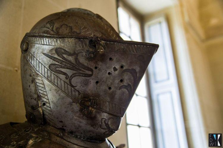 Château Castle Cheverny France Helmet Armor Fidiwik History Histoire