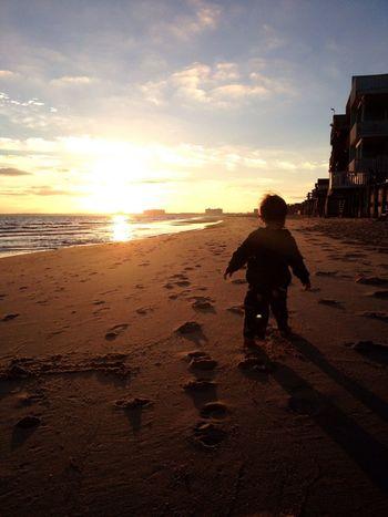 Belong Anywhere Beach Goodmorning ChesapeakeBay I love our morning walks.