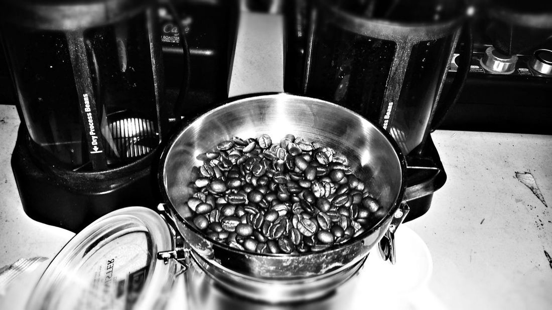 Fresh roasted coffee. Can't beat it. Old Fashioned Coffee ☕