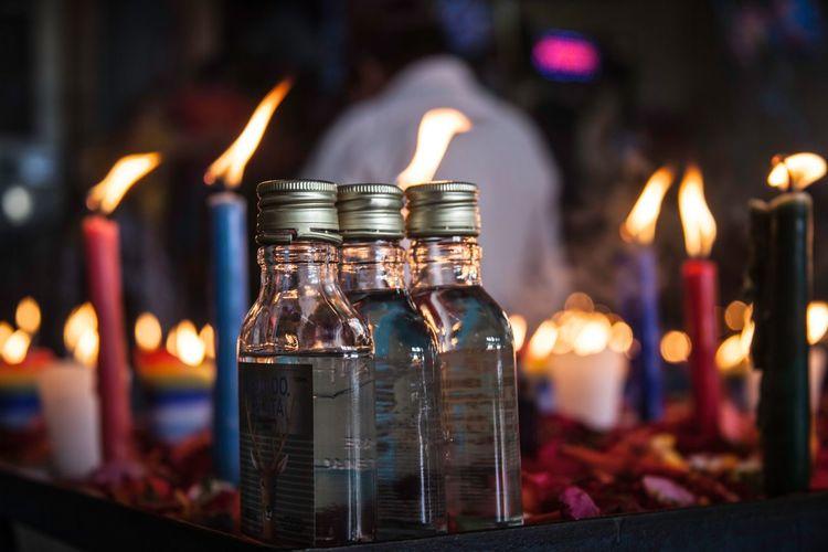Guaro pa Maximon Maximón Rituals & Cultural Best Shots EyeEm Guatemala 🇬🇹 EyeEm Gallery Alcohol Maximón Candle Drink Abundance Still Life