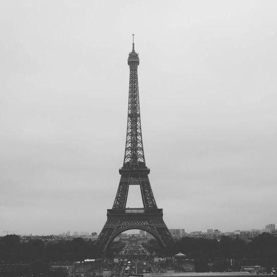 Paris is so beautiful ugh i really want to back guys Paris Paris ❤ La Tour Effel Eiffel Tower