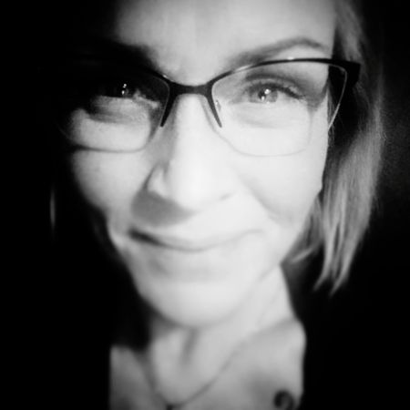 46days Fighter Worrier Sobriety  Starting Over Stillfocus Close-up That's Me Smiling New Life One Woman Only Looking At Camera Front View Eyeem Crazycatlady Eyeglasses  Portrait Headshot Women Happiness Real People