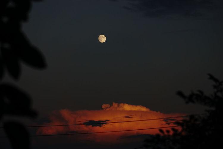 frankenhardt Sky Cloud - Sky Cloud Night Nightphotography Hot Air Balloon Moon Astronomy Sky Full Moon Moon Surface Half Moon Space And Astronomy Planetary Moon Fire - Natural Phenomenon Moonlight