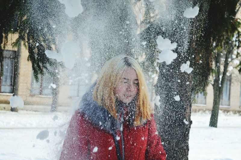 #зима #чудеса Love Yourself EyeEm Selects Day One Person People Happiness Only Women One Woman Only Winter Human Body Part Smiling