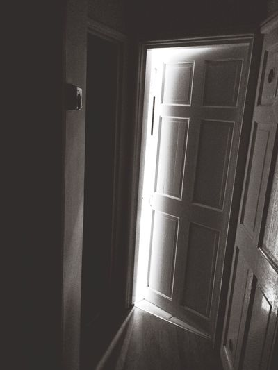 Indoors  Door Built Structure Closed Architecture Corridor Day Diminishing Perspective The Way Forward No People Architectural Feature