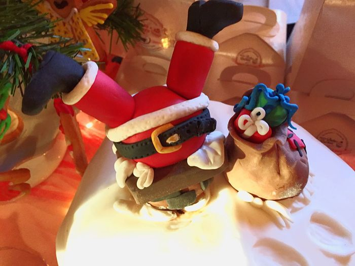 Sweet Food Christmas Celebration Event No People Indoors  Ready-to-eat Christmas Is Coming Una Foto Al Giorno Christmas Spirit Capture Moments Warm Atmosphere Capture The Moment Panettone Dolci Tradizioni Wars Light Red Christmas Food And Drink Dessert Sweet Moment Tranquility Beautiful Day Tranquil Scene Christmas Time Sweet Christmas