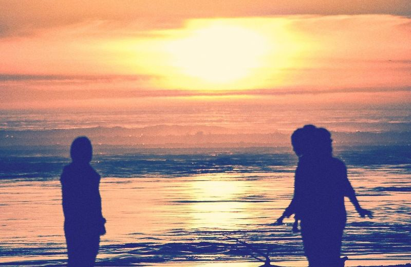 Sunsets Over The Ocean Beachfront Beauty Lincoln City, Oregon Summer Nights And Beach Bonfires Silhoutte On The Ocean PNWBeachlife Dancing To The Sea Togethernes Silhouette Beauty Coastal Photography Beach ❤ Pnwisbest Pnwcoast
