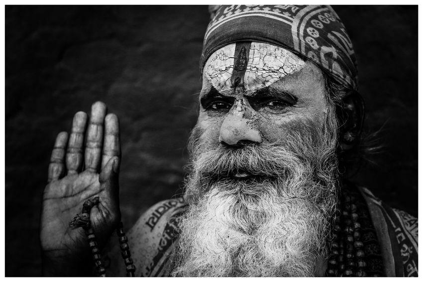 Sadhu religieux Népal Ethnie Masque Religion Regard Tribal Sadhu Religieux Kathmandou Visage Nepal Ethnique Devotion Priere Vieillesse EyeEm Selects Auto Post Production Filter Transfer Print Portrait One Person Headshot Close-up Human Face