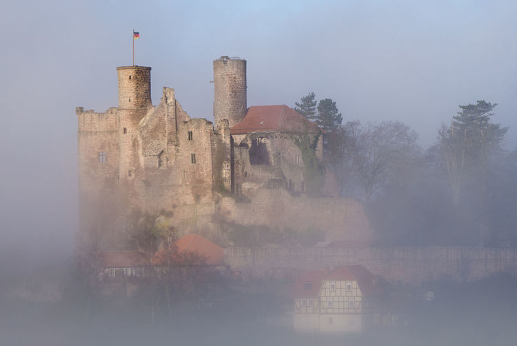 Burg Hanstein catching the first light on a foggy morning Nebel Architecture Burgruine Hanstein Castle Deutschland Foggy Weather Historical Building Thuringia Burg Hanstein Castle Ruin Castle Walls Europe Fog Foggy Morning Hanstein Medieval Architecture Old Buildings Ruined Building