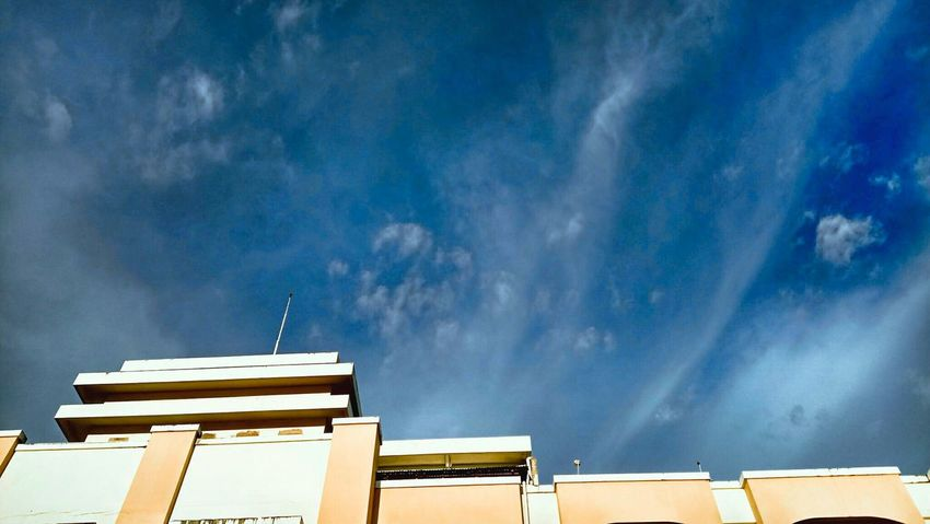 TheWeekOnEyeEM Photography Photooftheday Cloud - Sky Sky Nature Blue Buildings Buildings & Sky