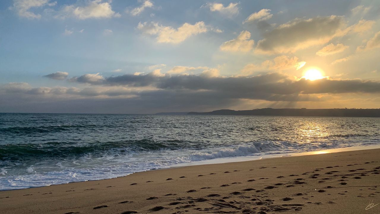 sea, beach, water, land, sky, beauty in nature, cloud - sky, horizon over water, scenics - nature, horizon, sand, sunset, motion, tranquil scene, tranquility, nature, wave, idyllic, no people, outdoors