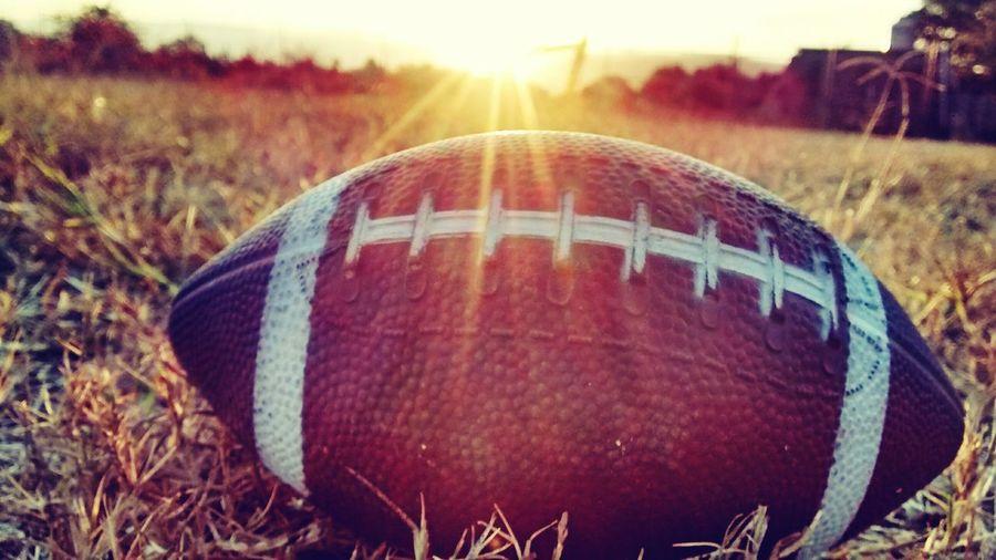 Football Player First Eyeem Photo Underground NFL Eyeemphotography Balon Americano Atardecer 6:45