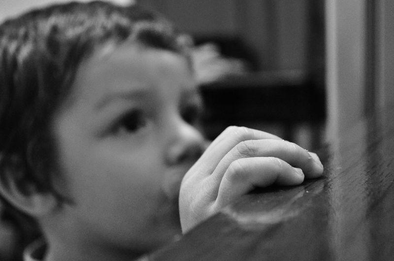 Welcomeweekly 50mm F1.8 Eyeem Market EyeEm Best Shots Popular Photos Eyeemphotography Nikon Serie E Popular Photo EyeEmBestPics Nikon D5100  EyeEm Team Kids Hands Portrait Bw Blsckandwhite EyeEm Bnw Hanging Out Showing Imperfection The Portraitist - 2016 EyeEm Awards