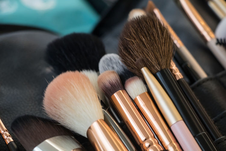Art And Craft Equipment Beauty Beauty Product Blush - Make-up Body Care And Beauty Brown Brush Choice Close-up Face Powder Fashion High Angle View Indoors  Large Group Of Objects Make-up Make-up Brush No People Palette Personal Accessory Selective Focus Still Life Variation
