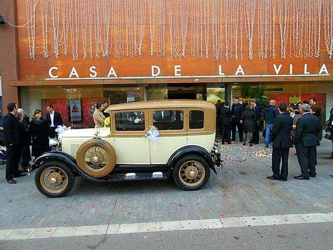 Wedding Vintage Car In The City Of Badalona House La Vila