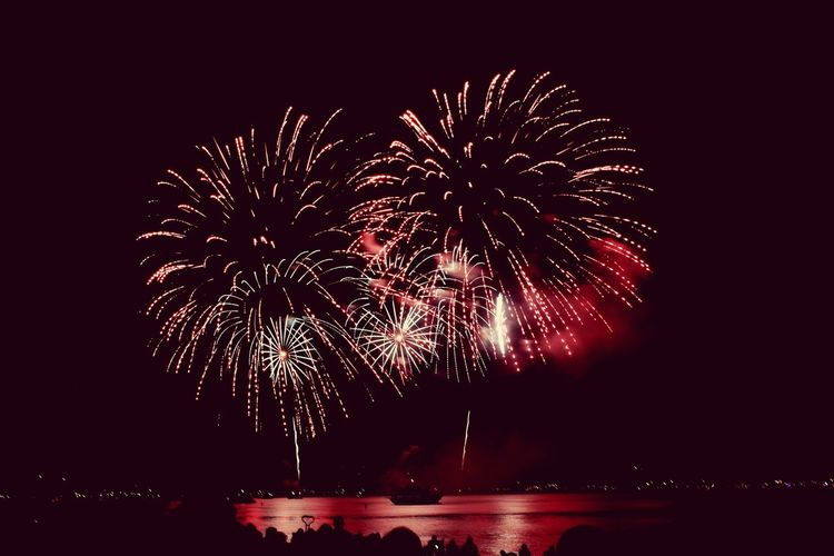 4th Of July Fireworks Lake Tahoe Beautiful Water Reflections Lake Colors Sparkly