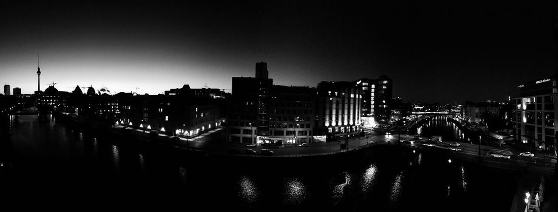 A sunrise in winter... Museum Island Panorama Architecture Blackandwhite Building Exterior Cityscape Clear Sky Museum Island Berlin Panormos Reflection River Sky Sunrise Travel Destinations Water Waterfront