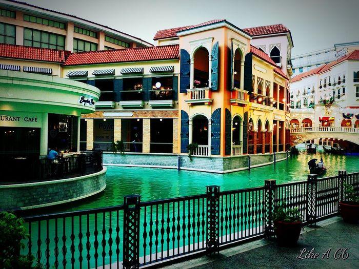 #whenintaguigphilippines #venicegrandcanalmall #unwind #lgg6 #cellphonephotography #sky #building #amusementpark #Metromanila #romantic Time #unwind #water #photography