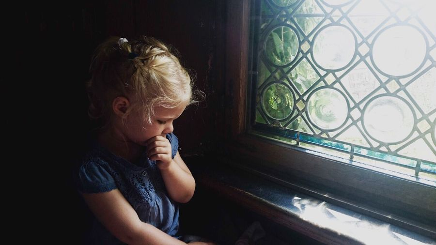 light and reflection Portrait One Person Child Childhood Indoors  Girl One Girl Only Real People Looking Through Window Blond Hair Innocence People Home Interior Day Milika The Portraitist - 2017 EyeEm Awards