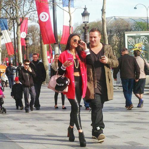 Champs Elysees Paris, Street Fashion Parisstreetfashion Paris, France  Street Fashion ChampsElyseesParis Avenue Des Champs Elysees Champselysées Paris ❤ Streetstyle
